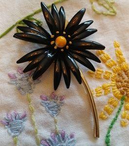 Crown Trifari black daisy flower pin